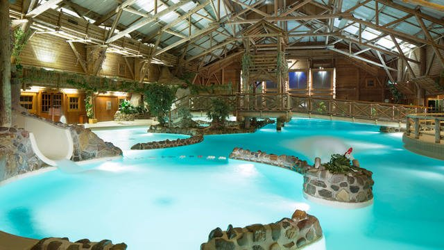 n018429_2050jan01_ranch-davy-crocketts-swimming-pool_16-9