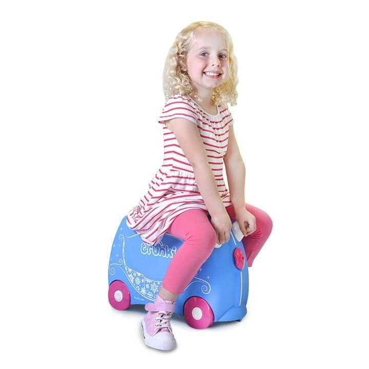 trunki-pearl-the-princess-carriage-trunki-6_9ac64d5c-44e4-4593-81aa-66a398736d32_1024x1024