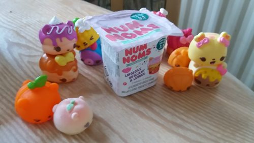 Num Noms Series 3 Lunch Box Review Family Clan
