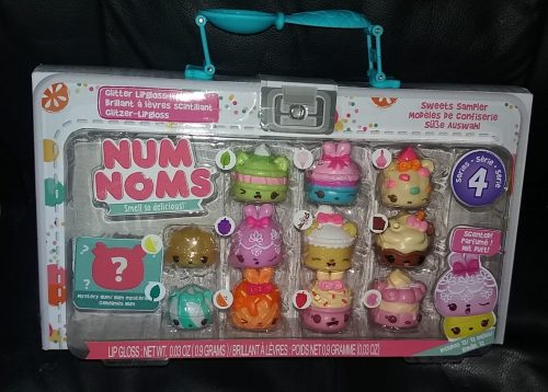 Num Noms Series 4 Family Clan review 2