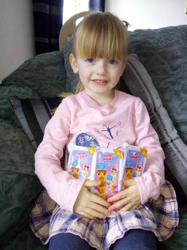 Num Noms Snackables Dippers review by Family Clan