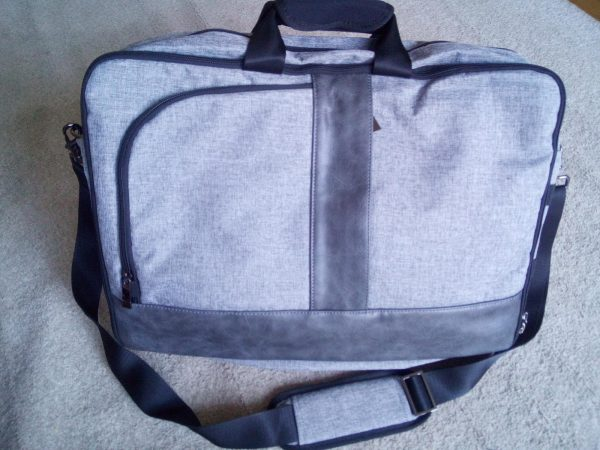 Estarer convertable laptop and backpack review by Family Clan