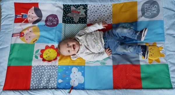 """""""Say Hello"""" with the Patchwork Activity Mat Review by Family Clan"""