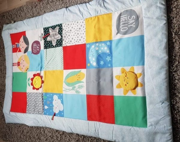 """Say Hello"" with the Patchwork Activity Mat Review by Family Clan"