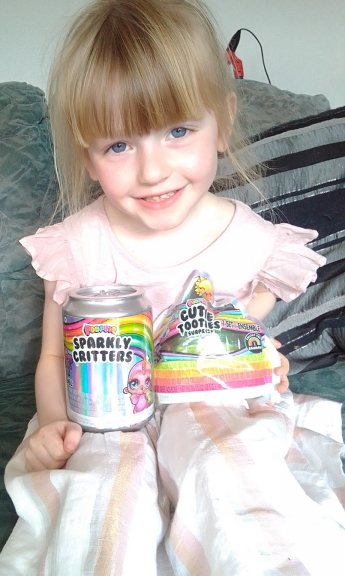 Poopsie Slime Surprise Sparkly Critters and Cutie Tooties review by Family Clan