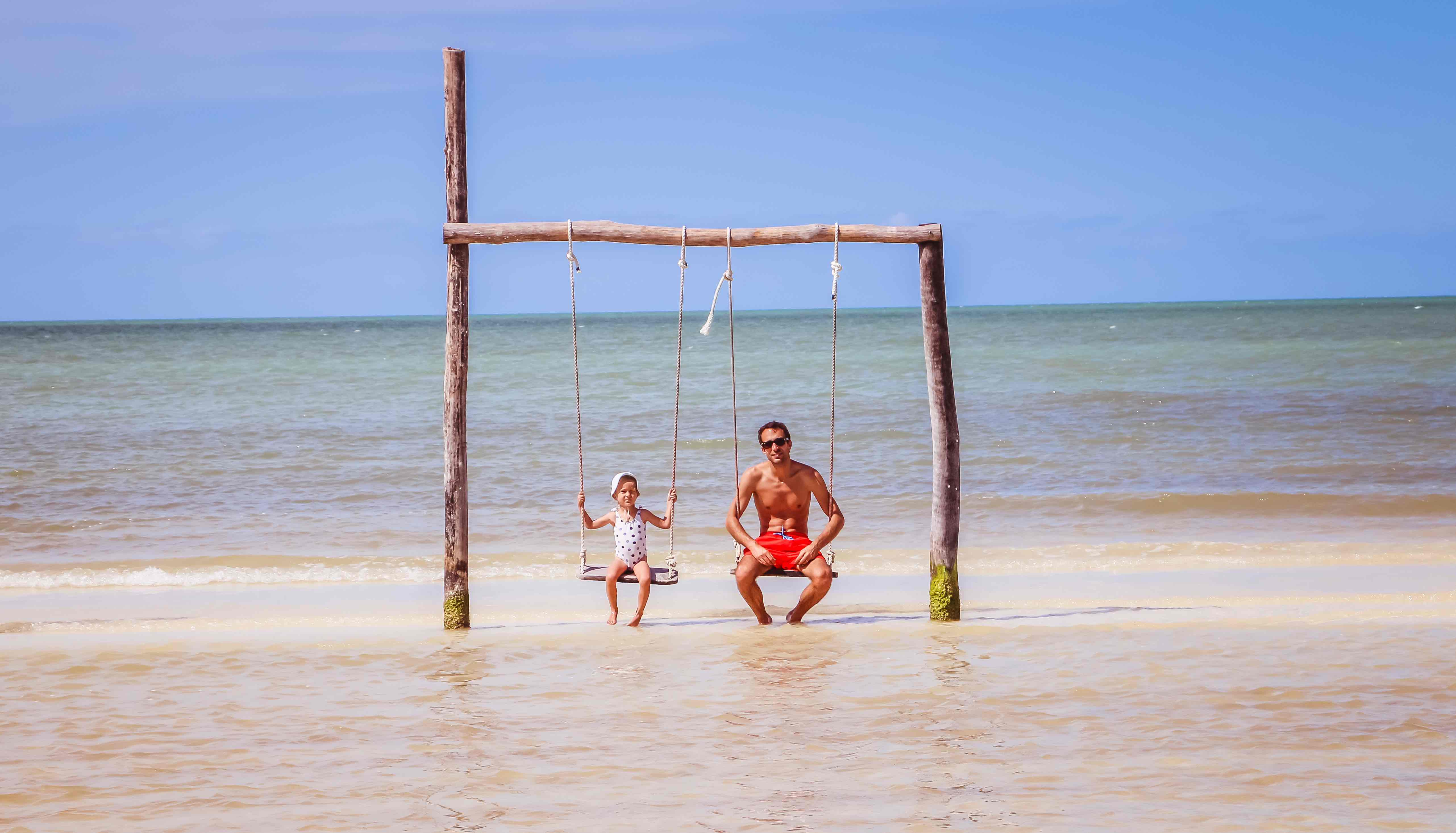family coste holbox mexique