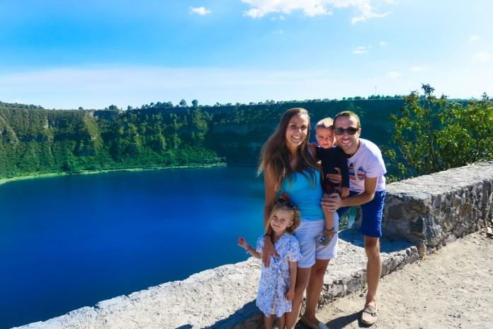 family coste laguna crater aljojuca, puebla