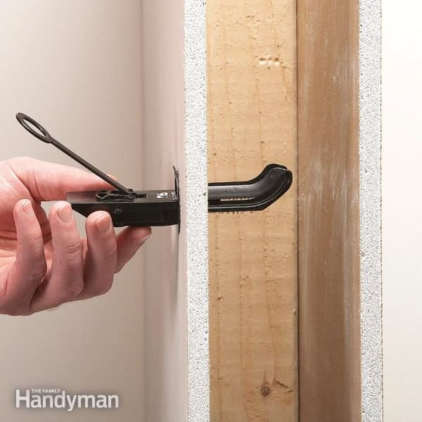 Mount A Flat Screen Tv With Wall Anchors The Family Handyman