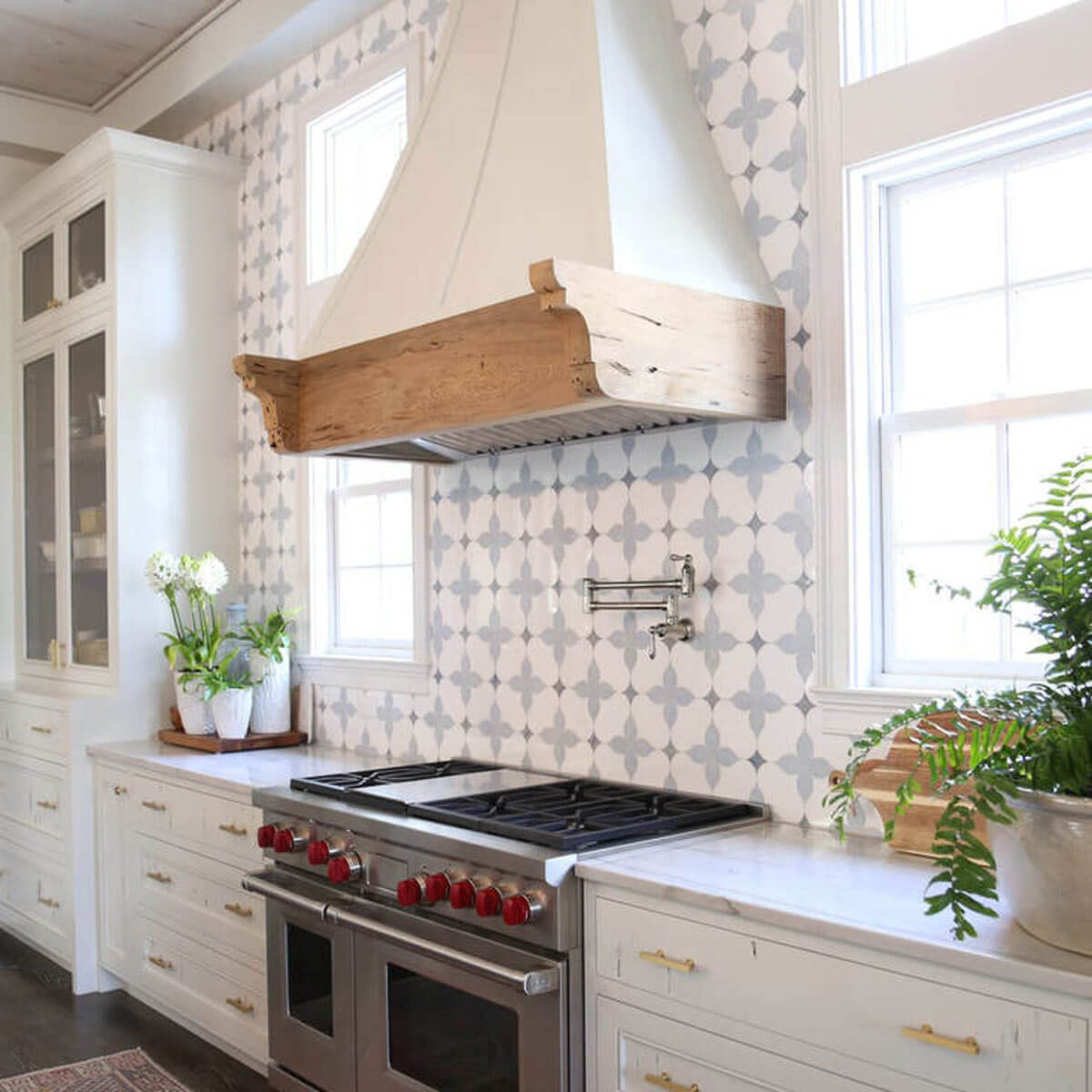 Best Kitchen Backsplash Ideas With White Cabinets Family Handyman