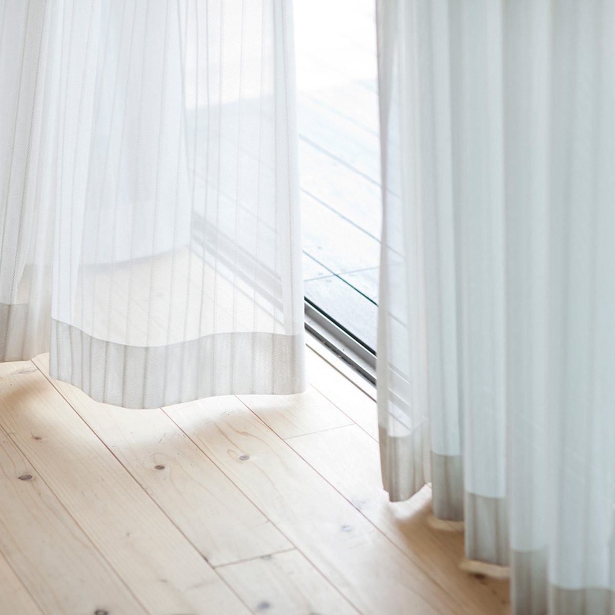 https www familyhandyman com article proper height to hang curtains