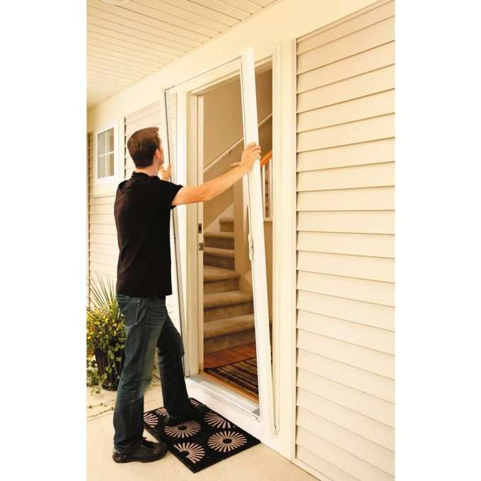 what are retractable screens family