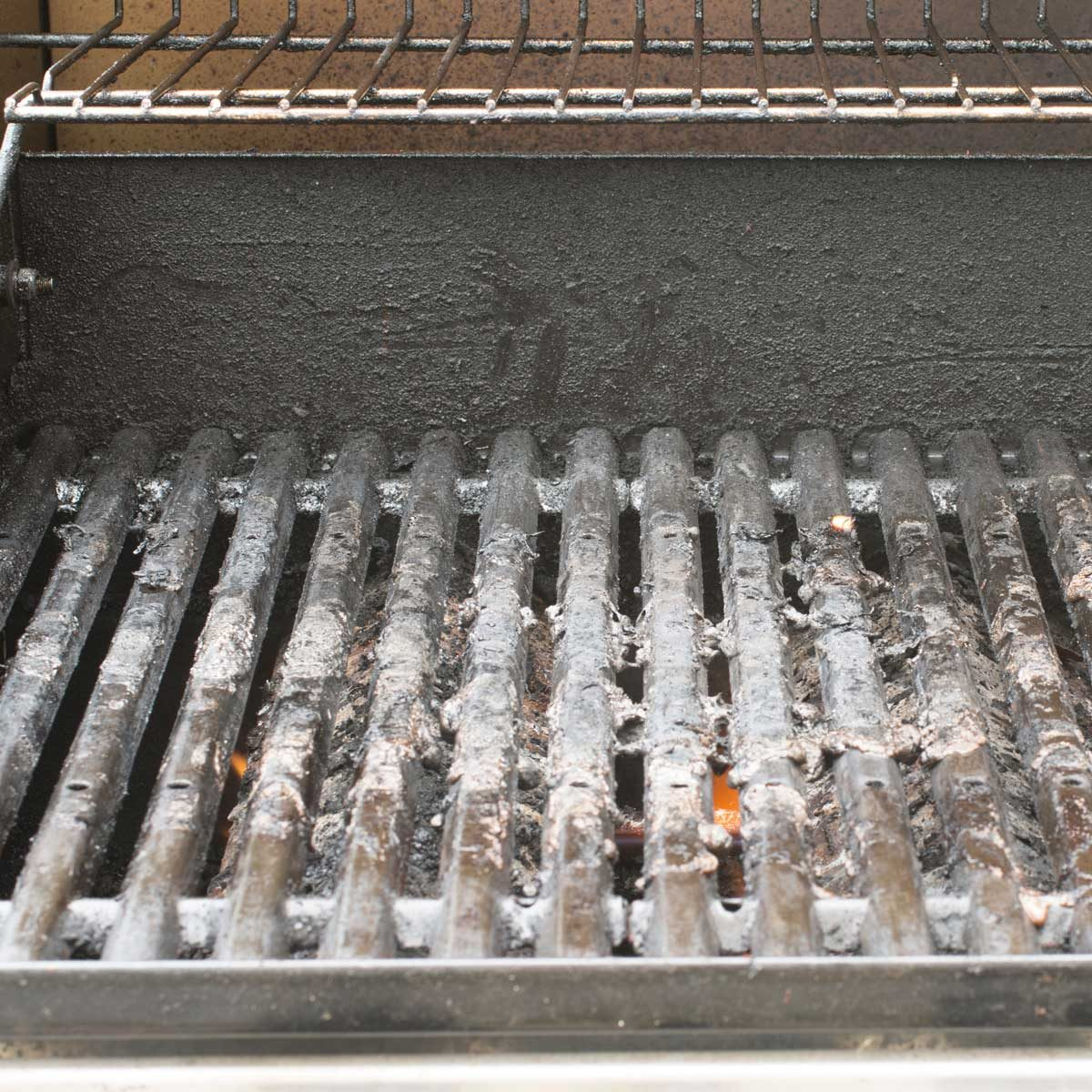 5 Ways To Clean Your Gas Grill