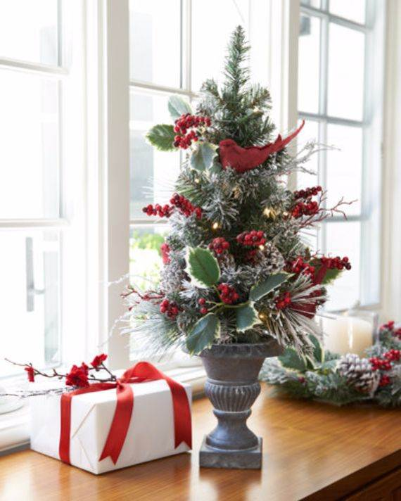 Beautiful Tabletop Christmas Trees Decorating Ideas   Designs     christmas tabletop decoration 1