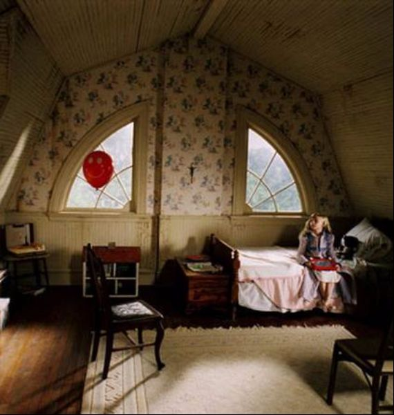 30 Spooky Bedroom Dcor Ideas With Subtle Halloween Atmosphere Family Guide To