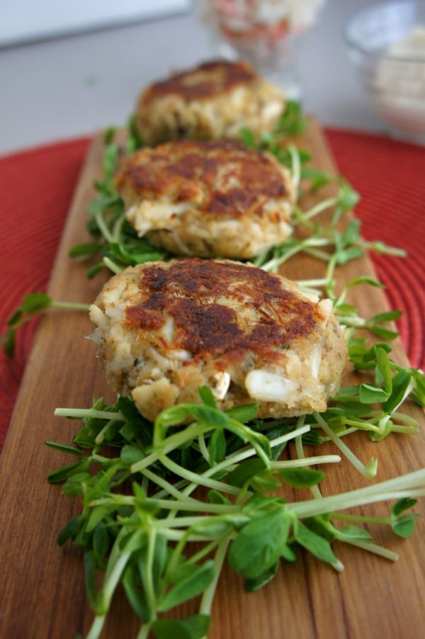 {Four Seasons} Crab Cakes