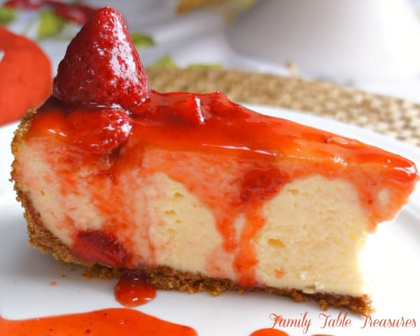 {Fluffy} Strawberry Cheesecake