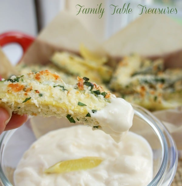 Baked Zucchini Fries {with garlic aioli}