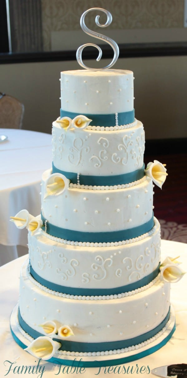 {Red Velvet} Wedding Cake