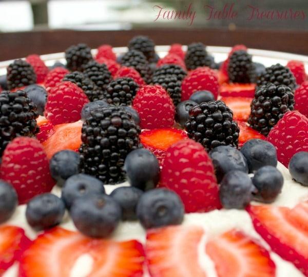Berrylicious {Fruit Pizza}