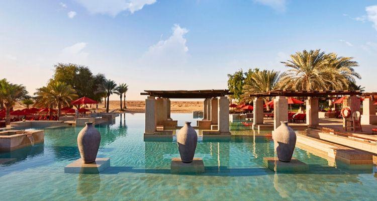 Bab AL Shams resort infinity Pool Dubai