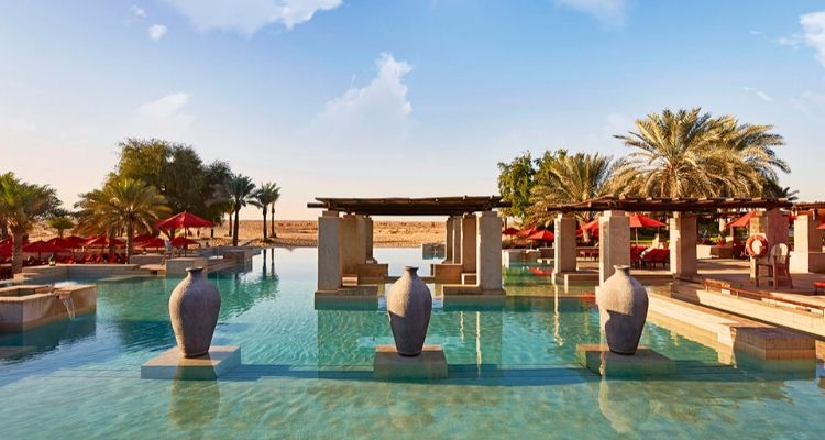Bab AL Shams resort infinity Pool Dubai