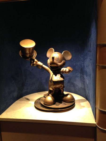 Golden Mickeys show on the disney dream