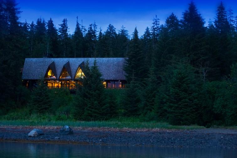 Glacier Bay Lodge in Glacier Bay National Park and Preserve