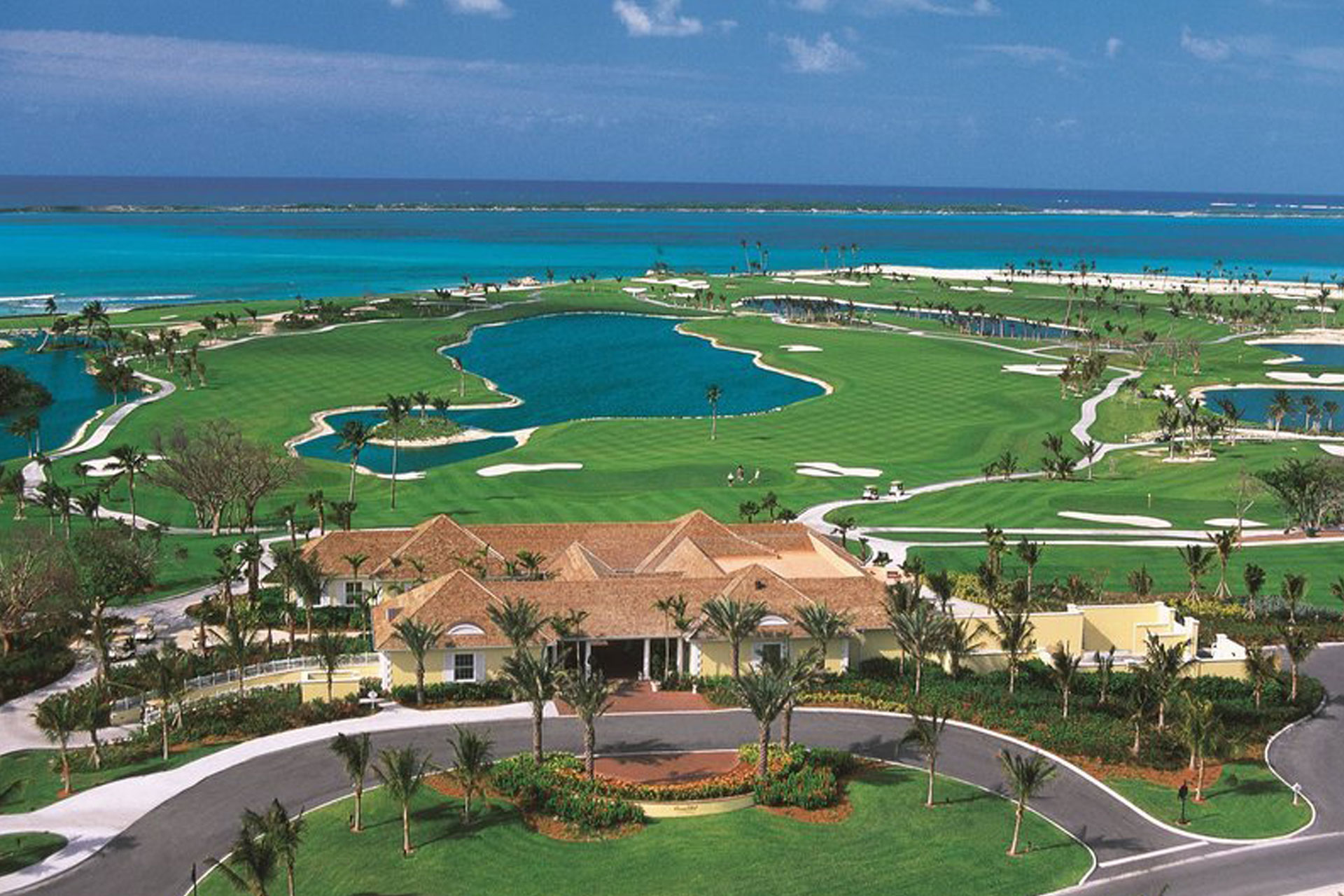 Atlantis Golf; Courtesy of Atlantis Resort