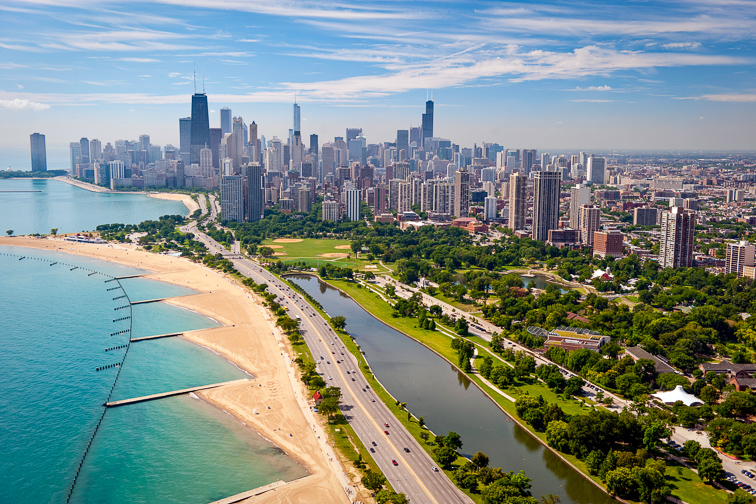 Lounge on Lakefront Beaches;Courtesy of Choose Chicago