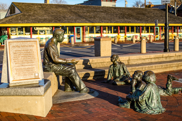 Kunta Kinte-Alex Haley Memorial in Annapolis, Maryland; Courtesy Nicole Glass Photography/Shutterstock