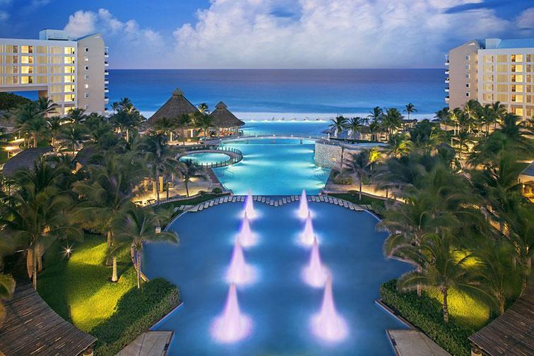 The Westin Lagunamar Ocean Resort Villas and Spa; Courtesy of The Westin Lagunamar Ocean Resort Villas and Spa