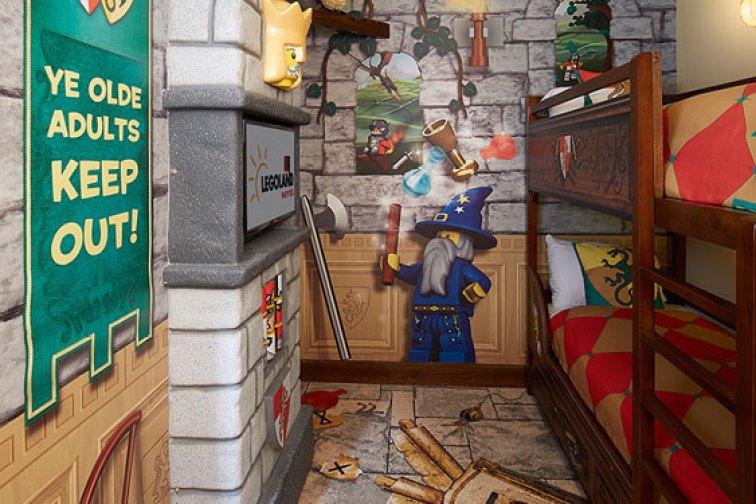A themed room at the LEGOLAND California Hotel; Courtesy of the LEGOLAND California Hotel