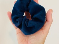Scrunchie: blauw suède