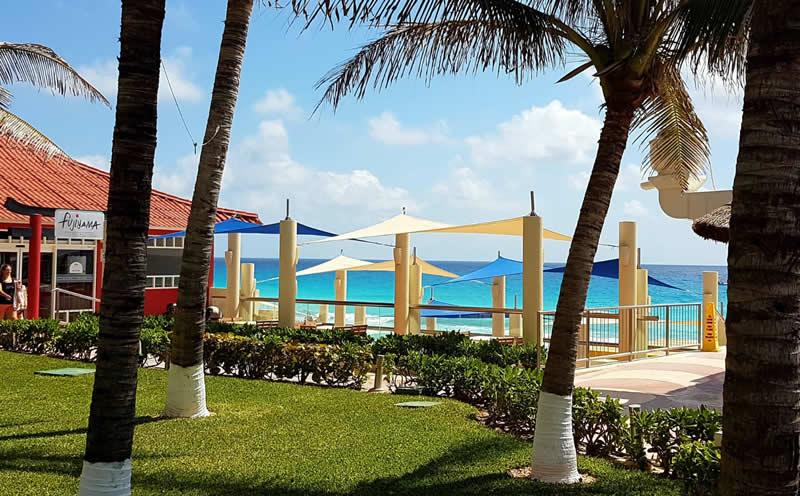 Cancun mare