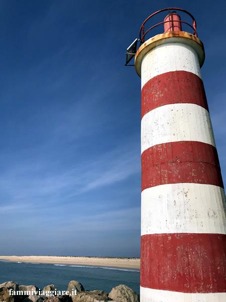 Faro isola deserta