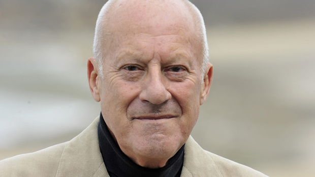 norman foster architect biography buildings projects and facts. Black Bedroom Furniture Sets. Home Design Ideas
