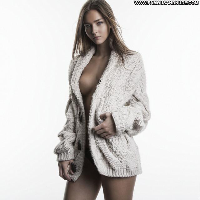 Rachel Cook Beautiful Babe American Celebrity Posing Hot Nude Hd