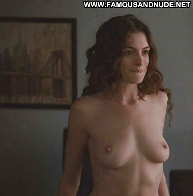 Anne Hathaway Pictures Hat Tits Celebrity Hot