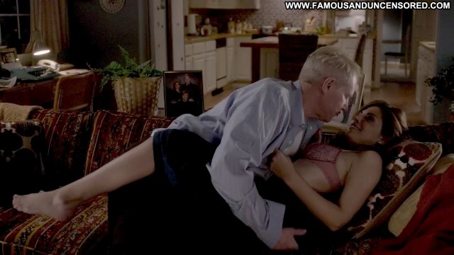 Callie Thorne The Americans Kissing Bra Nude Scene Hot Sexy Famous