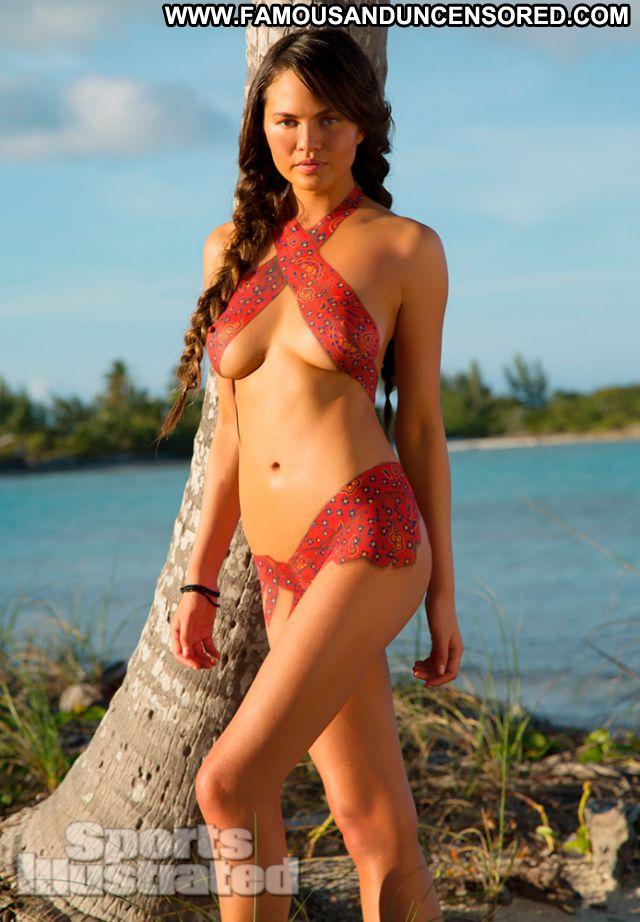 Chrissy Teigen Celebrity Body Painting Posing Hot Famous Brunette