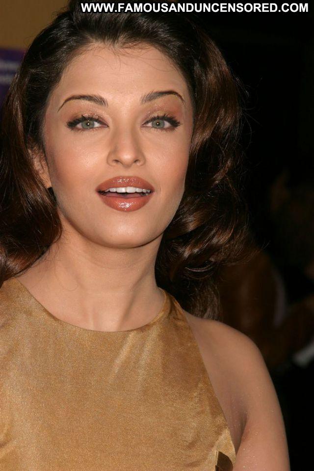 Aishwarya Rai Sexy Dress Showing Tits Actress Celebrity Doll