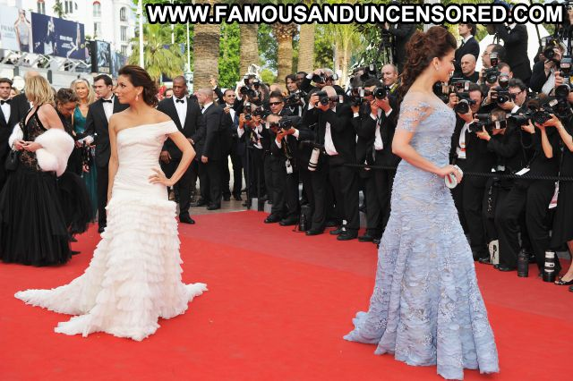 Aishwarya Rai Sexy Dress Showing Tits Celebrity Nude Scene