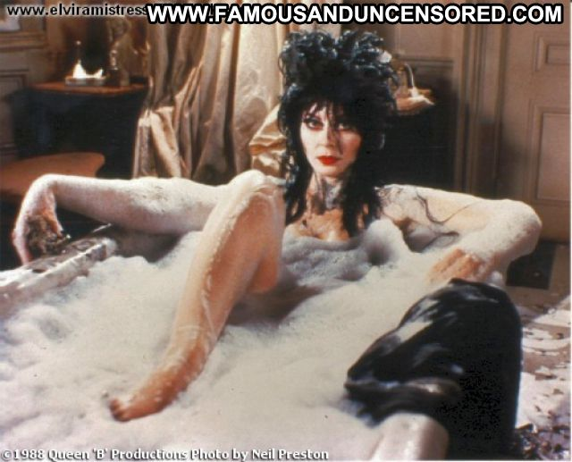 Cassandra Peterson Hairy Pussy Babe Posing Hot Pussy Celebrity Big