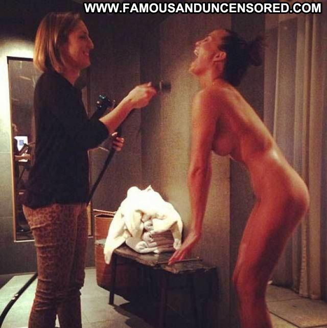 Chrissy Teigen Posing Hot Celebrity Celebrity Showing Tits Asian