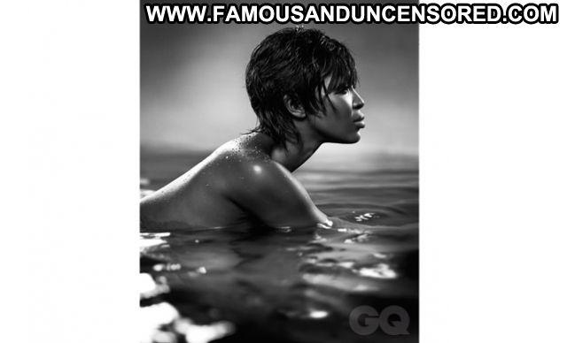 Naomi Campbell Posing Hot Posing Hot Cute Celebrity Ebony Famous Hot