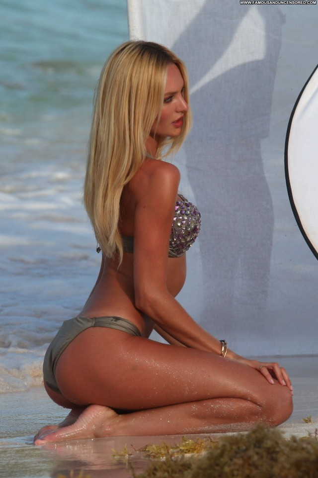 Candice Swanepoel Posing Hot Babe Celebrity High Resolution Beautiful