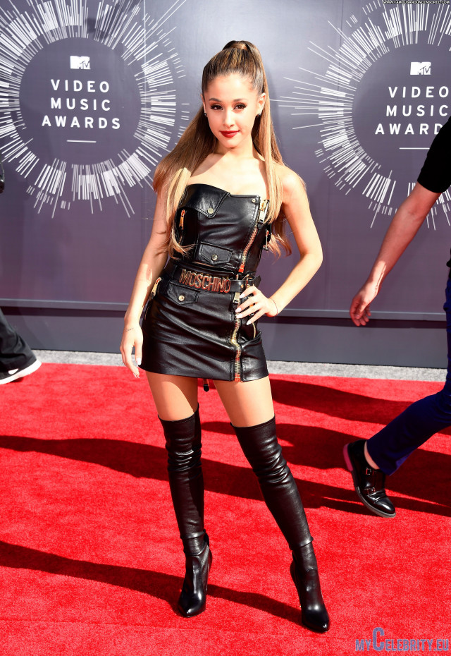 Selena Gomez Red Carpet Celebrity Red Carpet Babe Beautiful Posing