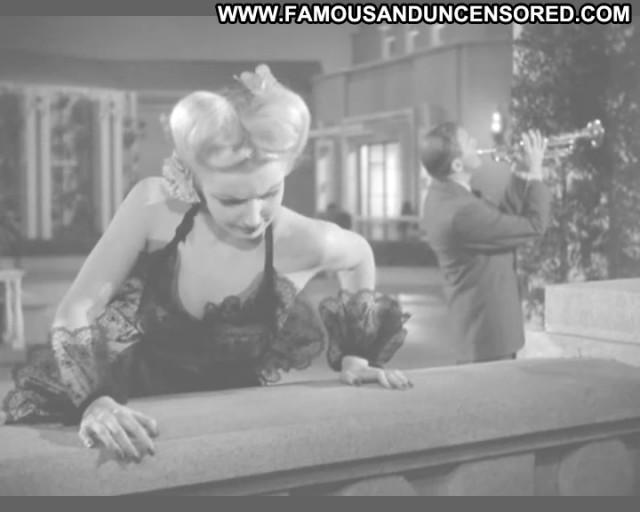 Dolores Moran Celebrity Beautiful Babe Posing Hot American Nude Scene