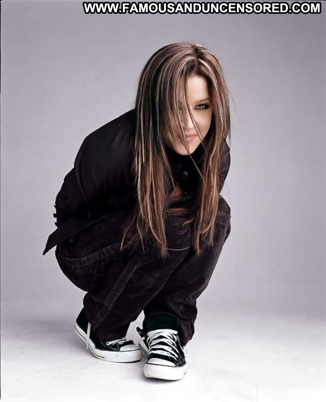 Lisa Marie Presley Pictures Milf Celebrity Doll Gorgeous Posing Hot