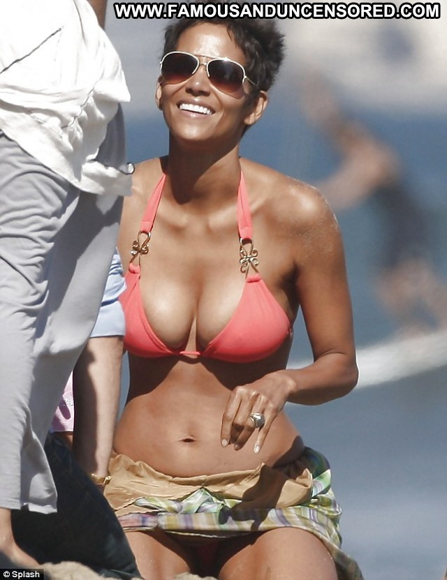 Halle Berry Pictures Celebrity Ebony Famous Cute Sexy Actress Doll